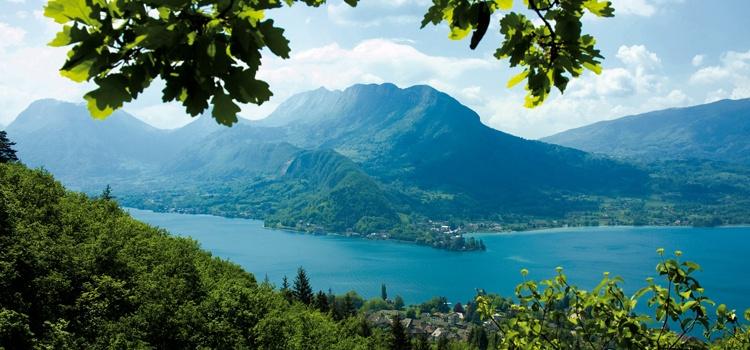 Séjours de printemps sur les hauteurs du lac d'Annecy