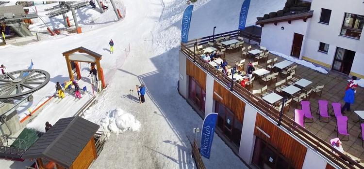 Noël au ski au pied des pistes à Valmeinier