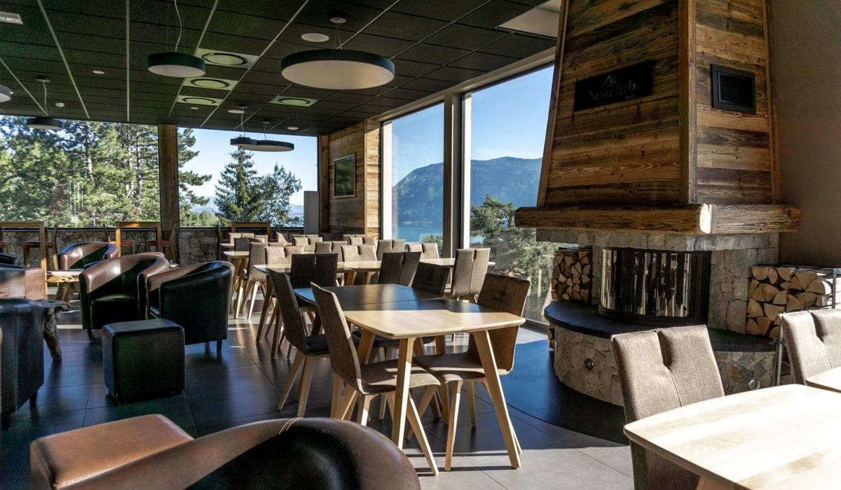 Séjour à Annecy bar panoramique vue lac