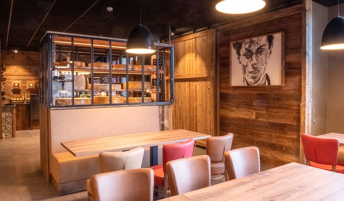 Restaurant savoyard sur les bords du lac d'Annecy rénovation terminée